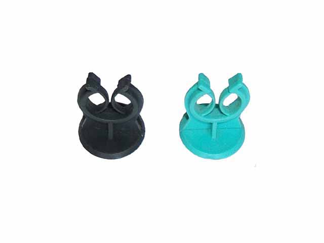 Wire mesh plastic clip spacers
